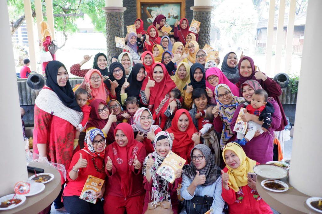 wefie bersama Retno Utami Dewi penulis Go Kitchen
